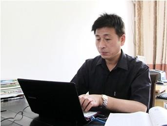 【南京市力学小学】严伯春